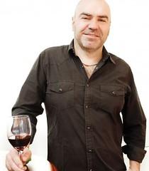 Patricio Tapia: El vino no sugiere ritual, sino amistad