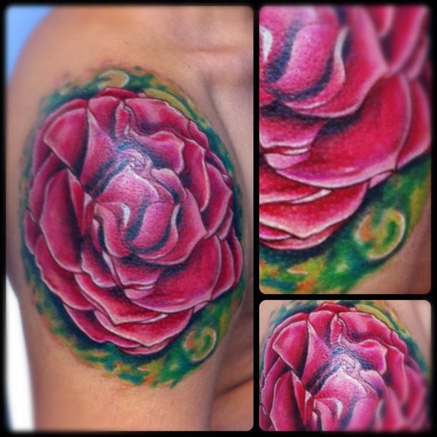 tattoo flor en hombro design dise o flower flowers color tatuaje tattoo realism piel. Black Bedroom Furniture Sets. Home Design Ideas