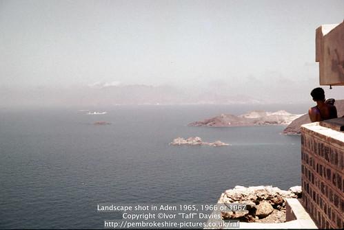 sea landscape coast scenery 1966 1967 yemen 1960s 1965 aden publish scannedslide onflickr gulfofaden arabianpeninsula adenharbour voigtländervitoc mapped130626