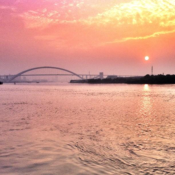 #sunrise seen during #morning #run #lupu #bridge #sun #sky #huangpu #river #clouds