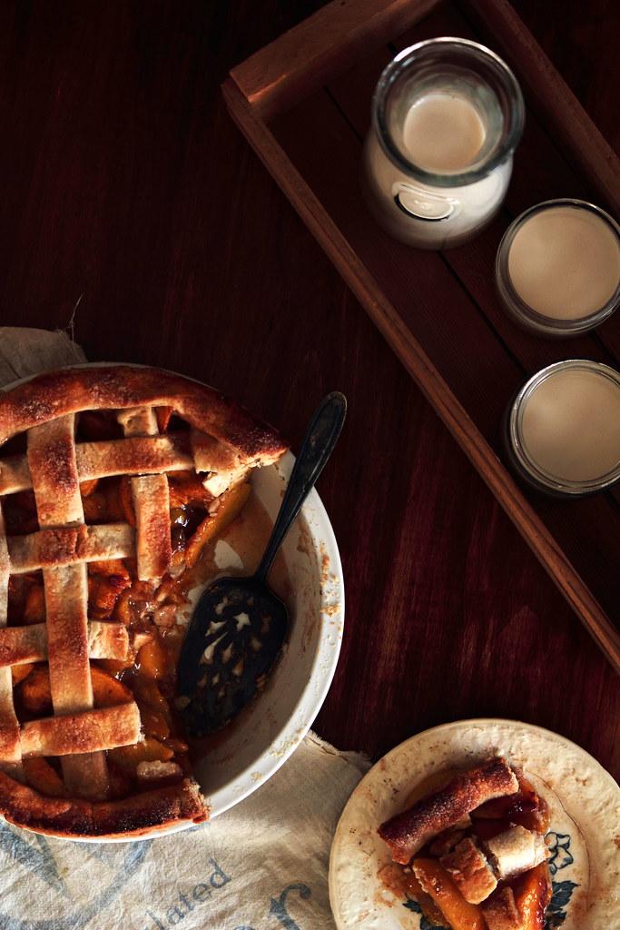 Pastry Affair | Vanilla Bean Cardamom Peach Pie