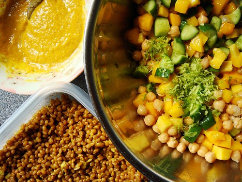 Curry Wheat Berries Salad with Mango & Chickpea