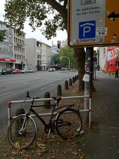 Radweg in Bochum (vor der Marienkirche)
