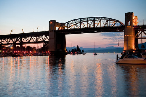 Burrard Bridge by petetaylor