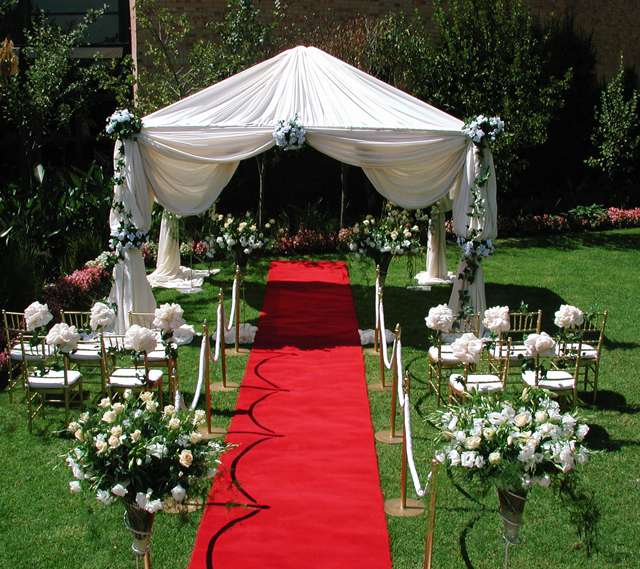 Outdoor-wedding-decoration-ideas-on-a-budget