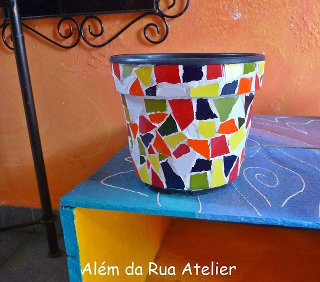 Como reutilizar vaso de plástico, com a técnica do mosaico