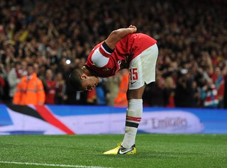 Alex Oxlade-Chamberlain celebrates his goal