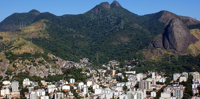 Tijuca Massif. Rio de Janiero. Brazil (cc) Rubem Porto Jr. @ Flickr.com
