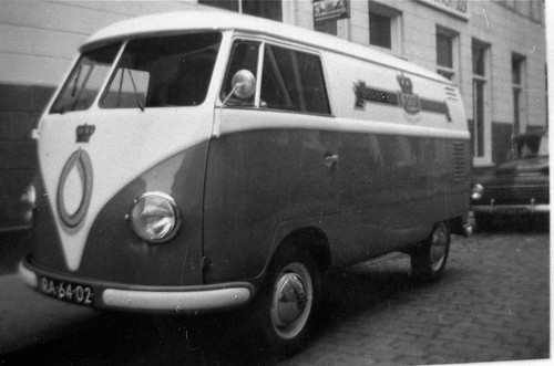 RA-64-02 Volkswagen Transporter bestelwagen 1957