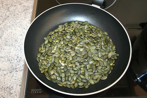 22 - Kürbiskerne rösten / Toast pumpkin seeds