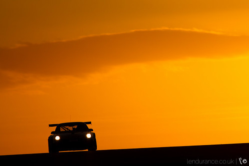 park sunset sky championship martin 911 racing final porsche british gt finale endurance fia aston sro motorsport gt3 donington 997 qualifying gt1 gt3r silhoeutte lendurance