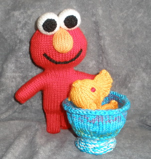 Elmo & Dorothy & her pretty bowl for Dorothy