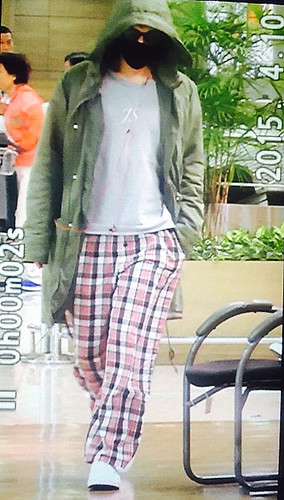 Big Bang - Incheon Airport - 10apr2015 - TOP - JS_Jo - 01