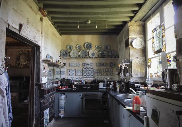 Le Château - kitchen