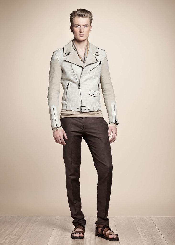 Max Rendell3066_SS13 Milan Belstaff(fashionising.com)