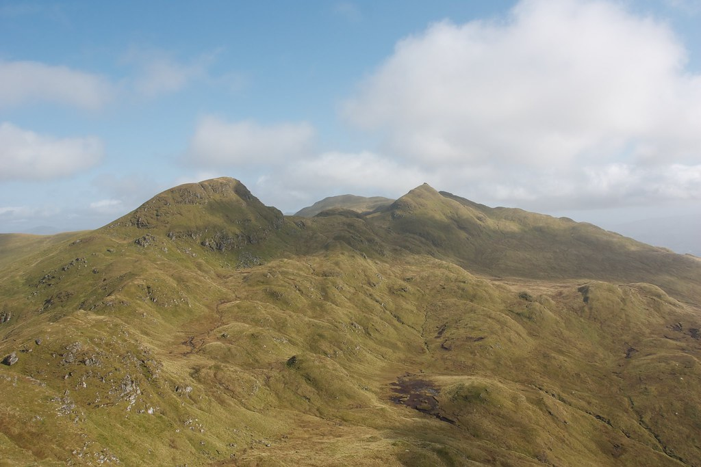 Looking east along the Tarmachan Ridge