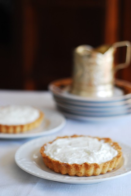 tartlets,tartelettes with goat cheese mousse, whipped heavy cream