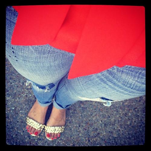 Bright orange #ootd with #boyfriend #jeans and metallic sandals