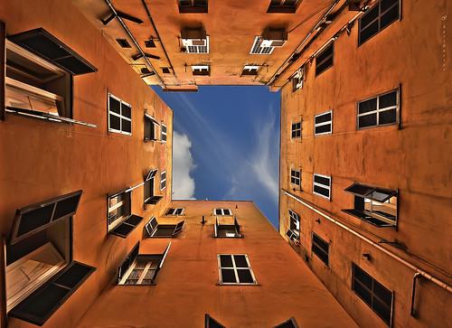 rome roma architecture court perspective architettura cortile prospettiva ghostbuster geometrie geometries paololivornosfriends gigi49