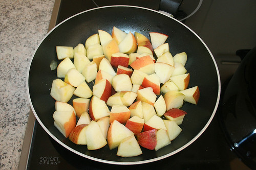 34 - Äpfel anbraten / Roast apples