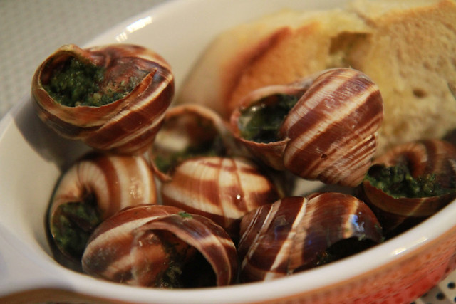 escargot, sampling food