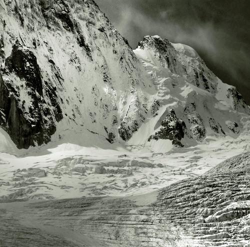Glace et rocs by Yvan LEMEUR