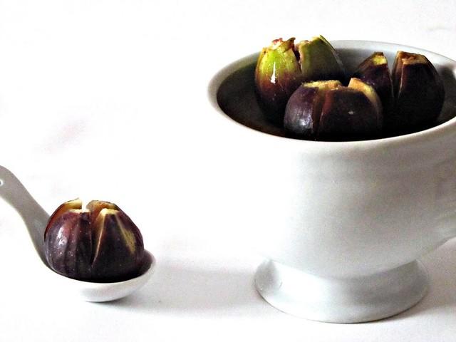 Crema Bianca di Asiago Pressato e Valpolicella con Fichi marinati all'Aceto Balsamico e Miele di Castagno