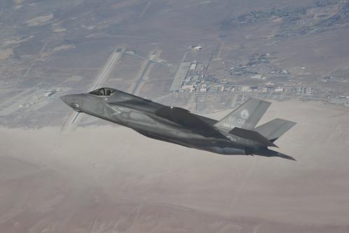 [フリー画像素材] 戦争, 軍用機, 戦闘機, F-35 ライトニング II ID:201210120000