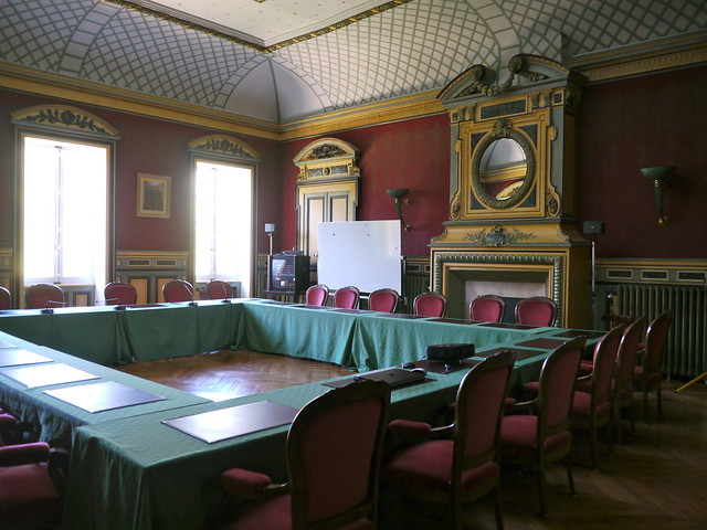 Mont-de-Marsan, Landes: à l'étage de la préfecture, salle Duplantier, ancienne salle du Coneil Général installée dans la salle de bal
