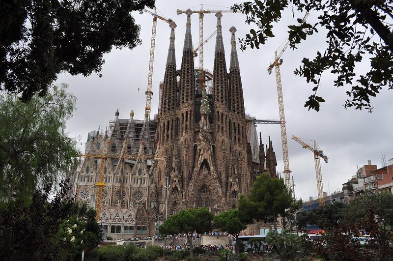 2011.07.26.130 - BARCELONA - Plaza Gaudí - Templo Expiatorio de la Sagrada Familia