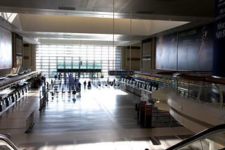 ロサンゼルス空港 JALカウンターの2階フードコート