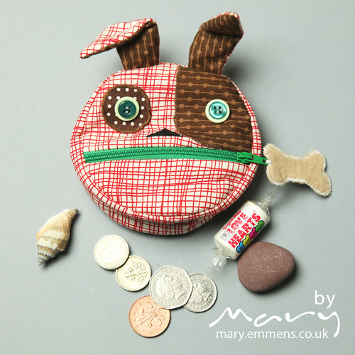 Feed the animals coin purse