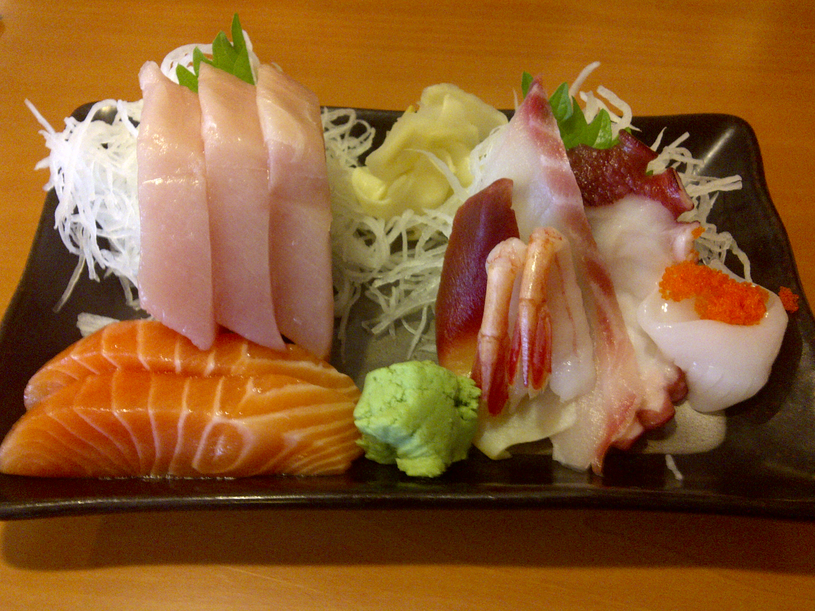 Assorted sashimi 4