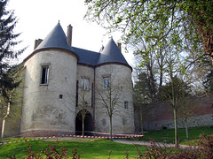 Lucheux (château) entrée 1 - Photo of Grand-Rullecourt