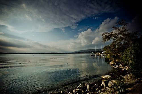 Lake 2 by maurovacca