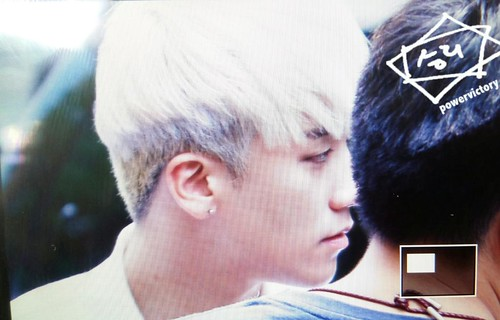 BIGBANG KBS Music Bank arrival 2015-05-15 cr on pic 002