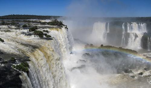 Foz do Iguaçu: vue sur la Garganta del Diablo depuis la tour d'observation