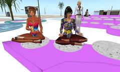 LuzSilvia y Monvey esperando el premio_001