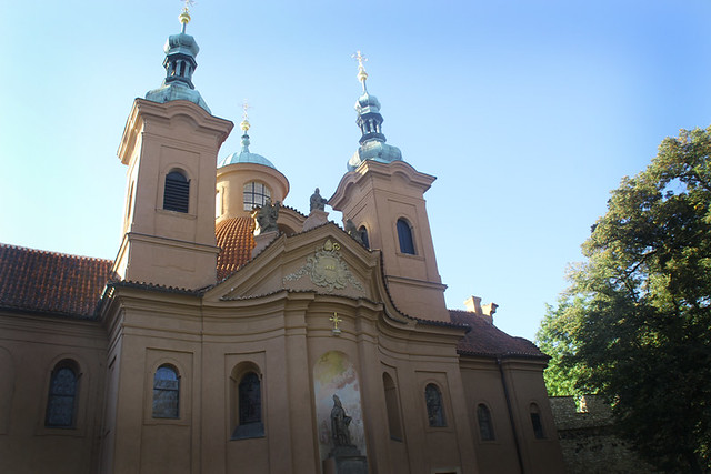 st.lawrence church, pink church prague petrin