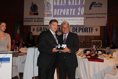 Trofeo Vº Pino a Paco Robles
