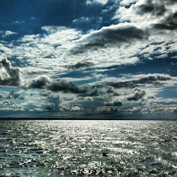 Oneida Lake #oneidalake #ny #newyork #upstate #sunsentinal #webstagram #statigram #instaphotog #photowall #igersftl #Sylvanbeach #timewireless #lakefront #cloudporn #skyporn #instamood #instanaturelover #instasky