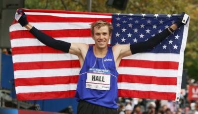 Špičkový maratonec Ryan Hall neběhá, je zraněný