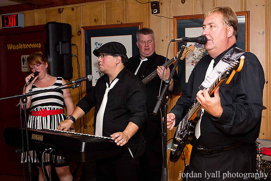 irwin-inn-lakefield-wedding-361p