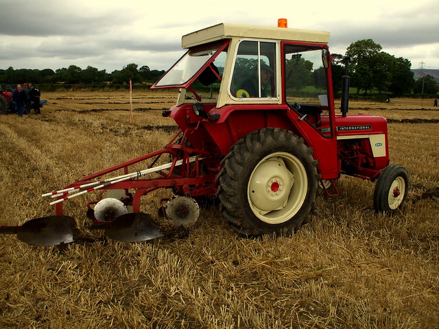 International Harvester 444 Tractor Parts : International tractors with b dna gallery a