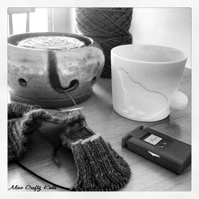 B&W Knitting