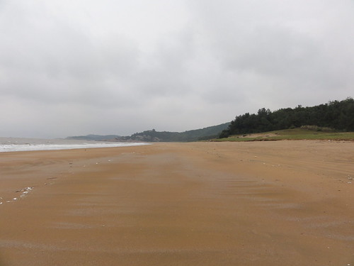 Thousand step beach was totally deserted when I was there