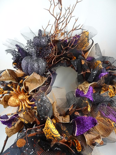 Halloween Rag Wreath Sept 2012 (10)