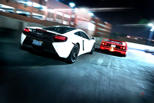 In Pursuit | McLaren MP4-12C & Ferrari F40
