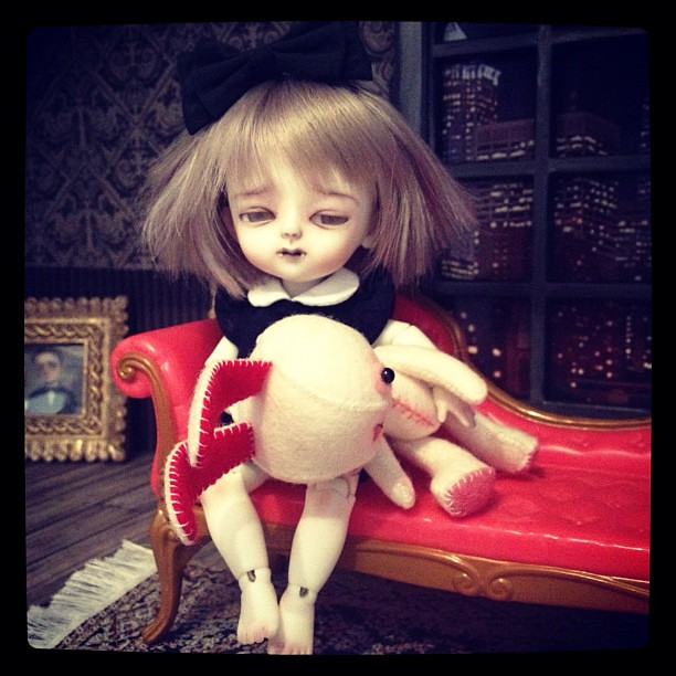 Little vamp at home #31dayshalloween #bjd #lati