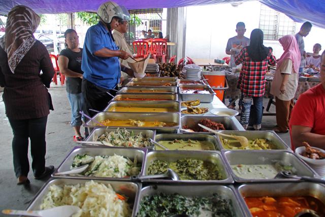 Malaysian nasi campur